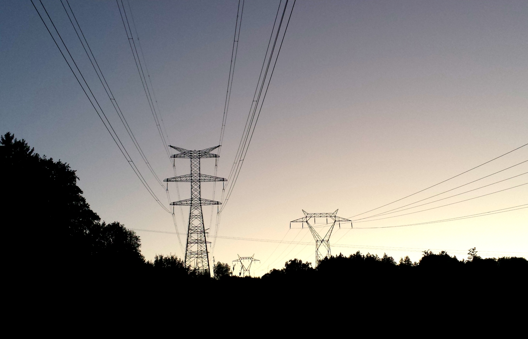 Double circuits power lines